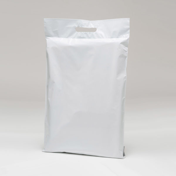 medium mailing bag white with a handle