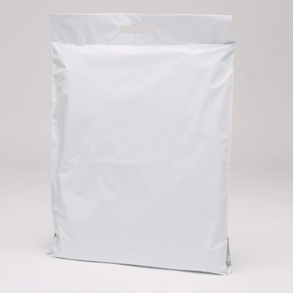 big mailing bag white with a handle