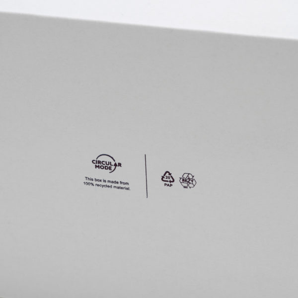 self folding white ecommerce mailing box pictogram recycling